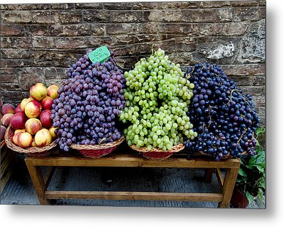 Grapes And Nectarines On A Bench Metal Print by Todd Gipstein