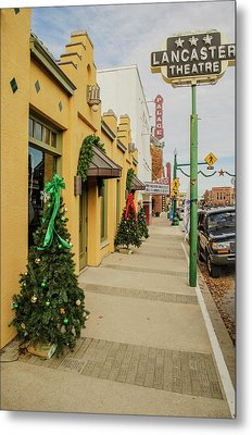 Grapevine Texas At Christmas Metal Print by Allen Sheffield