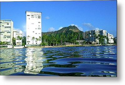 Green Diamond Head From The Water Metal Print