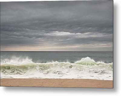 Green Wave Metal Print by Kevin Bergen