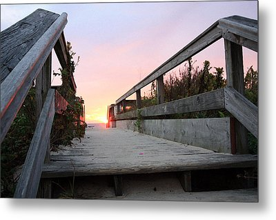 Greeting The Sunrise Metal Print