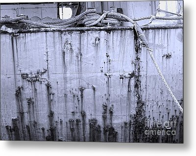 Metal Print featuring the photograph Grimy Old Ship Hull by Yali Shi