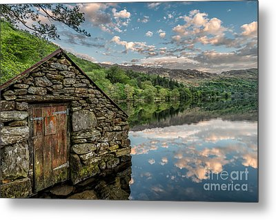 Gwynant Lake Sunset Metal Print by Adrian Evans