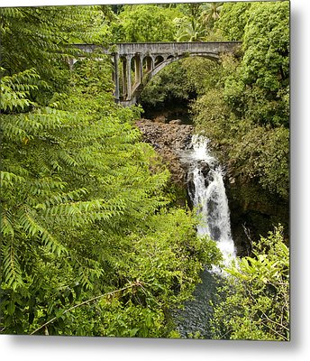 Hamakua Bridge Metal Print by Charlie Osborn