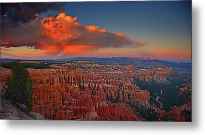Harvest Moon Over Bryce National Park Metal Print
