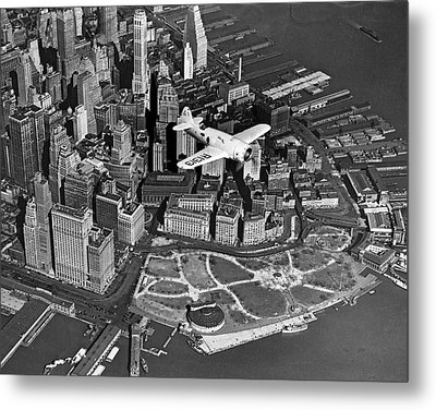 Hawk's Plane Over Battery Park Metal Print by Underwood Archives