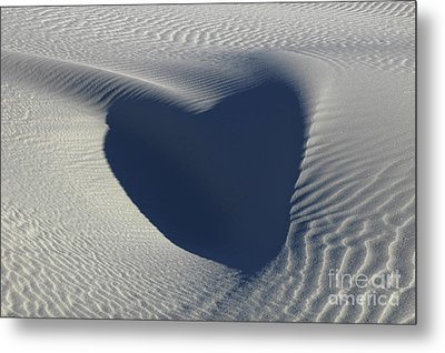 Hearts In The Desert Metal Print by Vivian Christopher