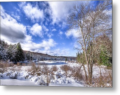 Metal Print featuring the photograph Heavy Snow At The Green Bridge by David Patterson