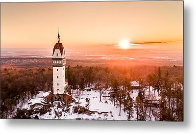 Heublein Tower In Simsbury Connecticut Metal Print by Petr Hejl
