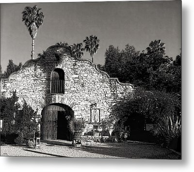 Hidden Chateau Metal Print by Glenn McCarthy Art and Photography