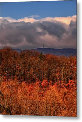 High Point Monument In The Distance Metal Print by Raymond Salani III