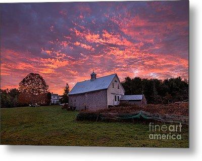 Highland Road Barn At Sunrise Metal Print
