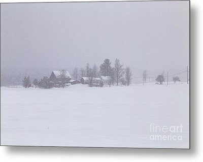 Highland Road Barn In The Snow Metal Print