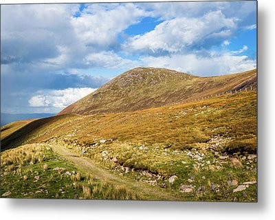 Hiking Trail Across The Mountain Range In County Kerry Metal Print by Semmick Photo