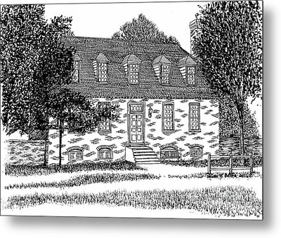Historic And Restored Red Lion Inn, City Of Williamsburg Virginia, Colonial District Metal Print by Dawn Boyer