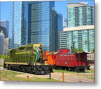 Historic Train Engine And Caboose At Roundhouse Park Toronto Metal Print by John Malone