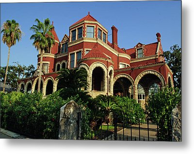 Metal Print featuring the photograph Historical Galveston Mansion by Tikvah's Hope