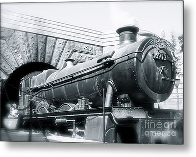 Hogwarts Express Black And White Metal Print by Shelley Overton