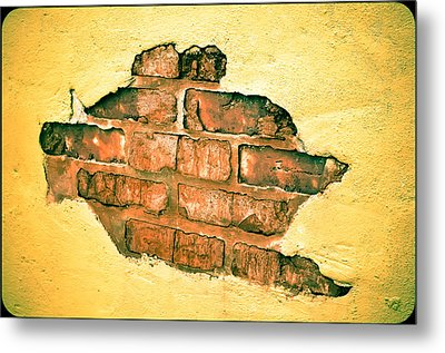 Hole In The Wall Metal Print by Keith Sanders