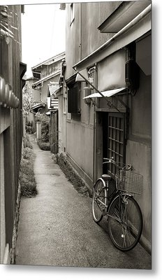 Home In Kyoto Metal Print by Jessica Rose