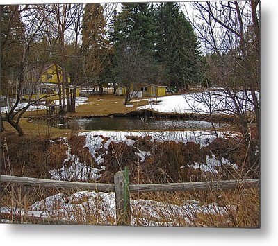 Metal Print featuring the photograph Home With Pond by Tammy Sutherland