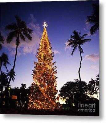 Honolulu Christmas Metal Print by Kyle Rothenborg - Printscapes