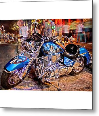 Hot Harley During Rot Metal Print by Andrew Nourse