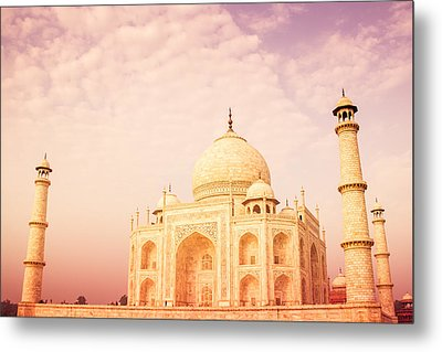 Hot Taj Mahal Metal Print by Nila Newsom