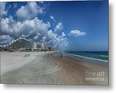 Hot Times In The Summertime Metal Print by Judy Hall-Folde