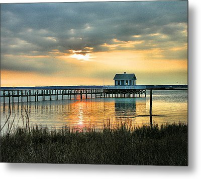 House At The End Of The Pier Metal Print by Steven Ainsworth