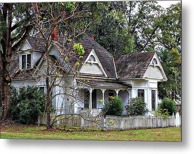 House With A Picket Fence Metal Print by Lynn Jordan