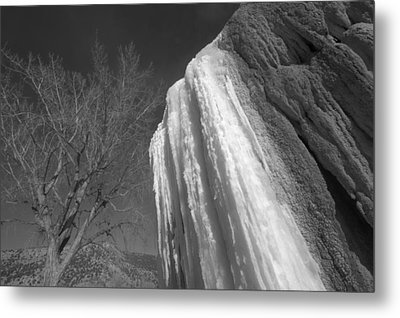 Metal Print featuring the photograph Ice Seasons by Al Swasey