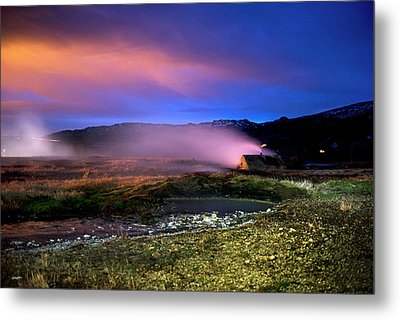 Metal Print featuring the photograph Icelandic Geyser At Night by Dubi Roman