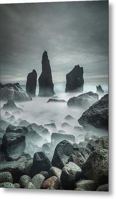 Icelandic Storm Beach And Sea Stacks. Metal Print by Andy Astbury