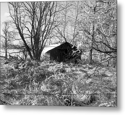 Icy-barn Metal Print by Curtis J Neeley Jr