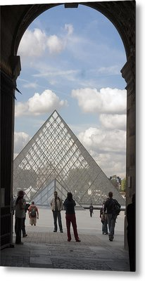 I.m. Pei Pyramid At Louve In Paris Metal Print by Carl Purcell