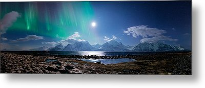 Imagine Auroras Metal Print