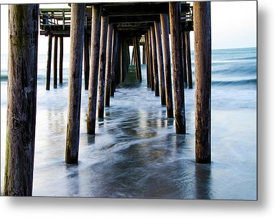 Incoming Tide - 32nd Street Pier Avalon Metal Print by Bill Cannon