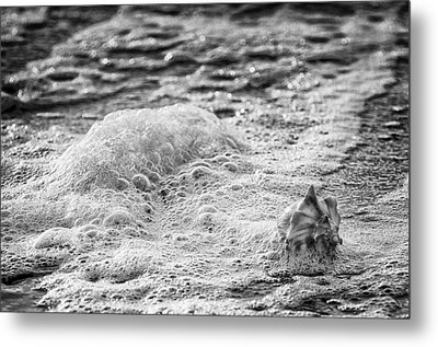 Incoming Tide Metal Print by Donnie Smith