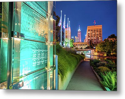 Indianapolis Skyline From The Veterans Memorial Metal Print