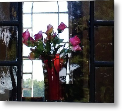 Metal Print featuring the photograph Inner Beauty by Tom Vaughan