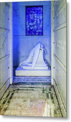Inside The Weeping Angel Tomb - Nola Metal Print