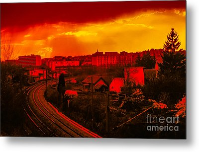 Into The City At Sunset Metal Print