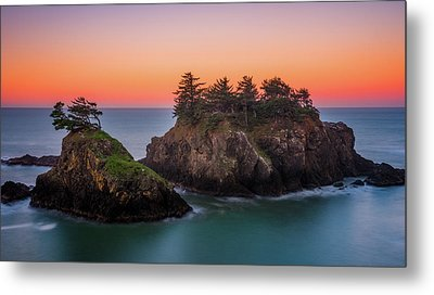 Metal Print featuring the photograph Islands In The Sea by Darren White