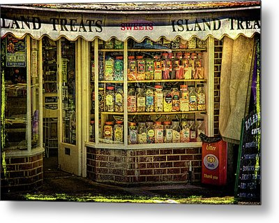 Isle Of Wight Candy Store Metal Print by Chris Lord