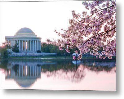 Jefferson At Sunrise Metal Print by Don Lovett