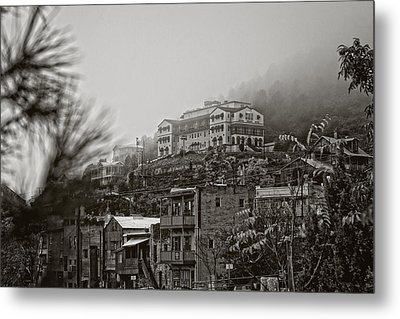 Metal Print featuring the photograph Jerome Az On A Foggy Morning by Ron Chilston