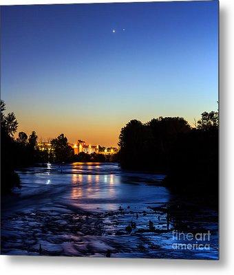 Jupiter And Venus Over The Willamette River In Eugene Oregon Metal Print