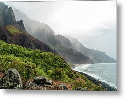 Kalalau Beach Metal Print by Brian Harig