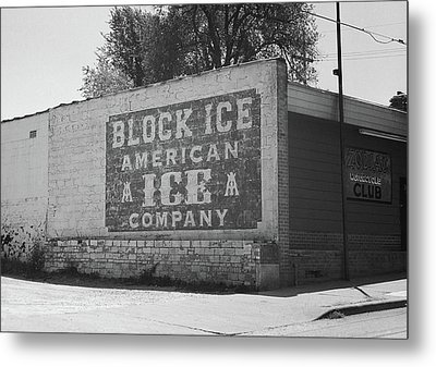 Metal Print featuring the photograph Kansas City Ghost Mural Bw by Frank Romeo